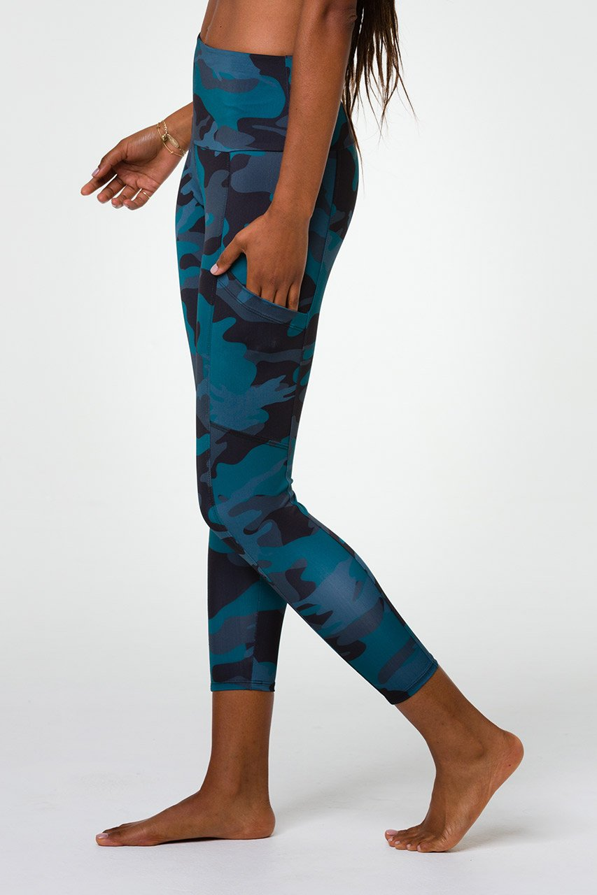 High Rise Pocket Legging - Disguised