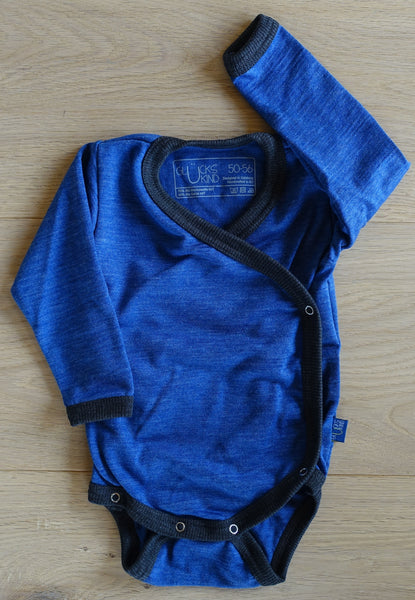 Glückskind; Wickelbody; wrap around; wrap-around; Baby; Body; Wollbody; Wolle; Seide; Merino; Bio; Öko; GOTS; Premium; Body; Wool; Silk; organic; blue; royal blau