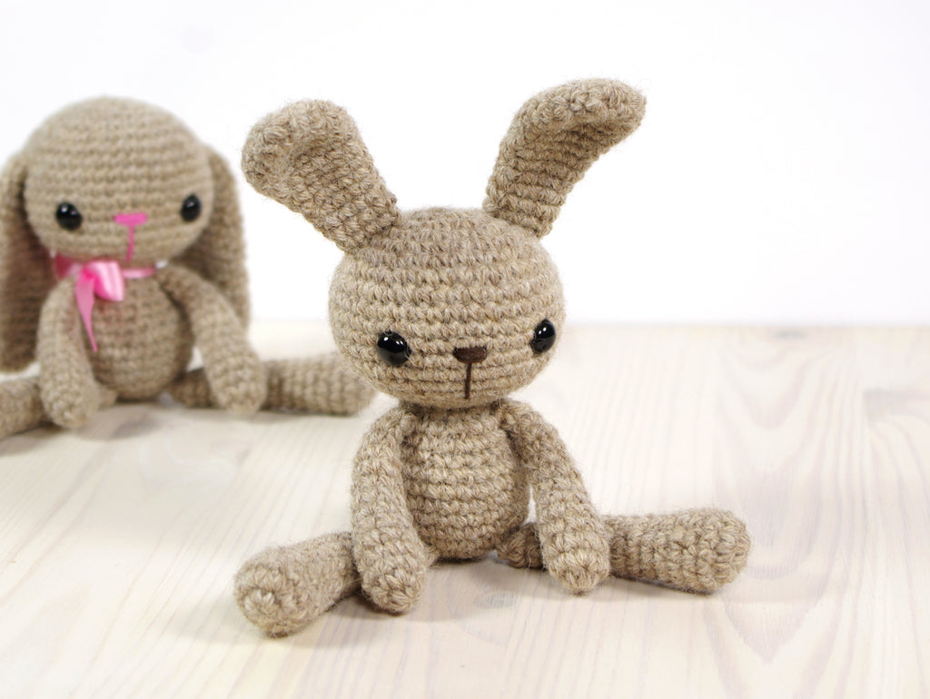 FREE PATTERN: Small Long-Legged Bunny