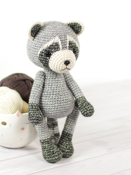 149 Crochet Pattern - Raccoon - Amigurumi soft toy PDF file by Ogol CP | 600x450