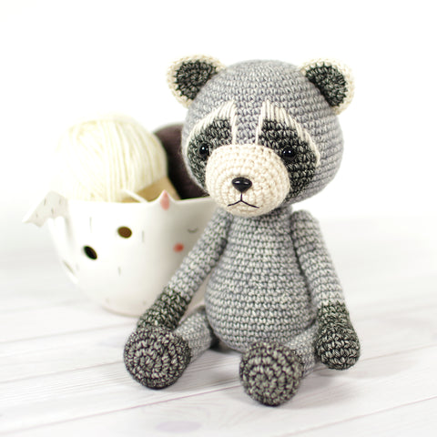 Crochet raccoon pattern