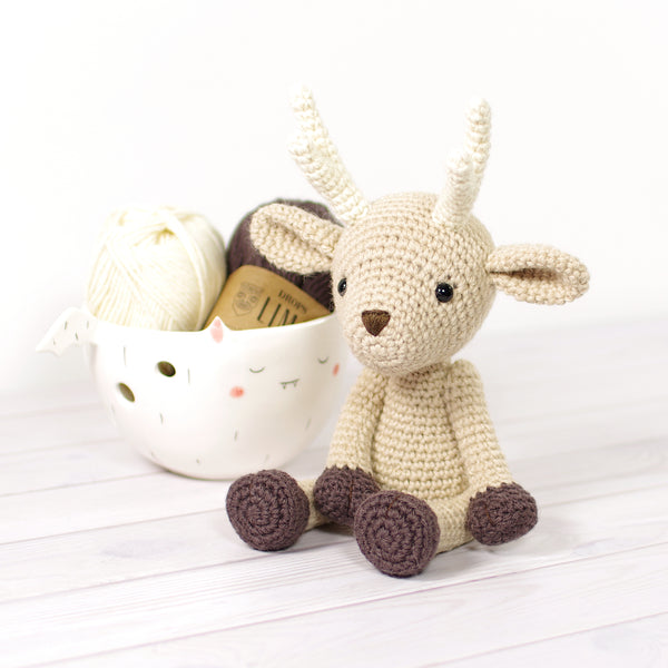 PATTERN: Small Deer