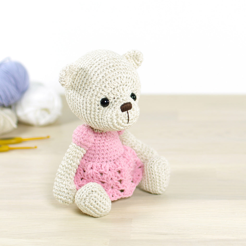 PATTERN: Teddy bear in a dress