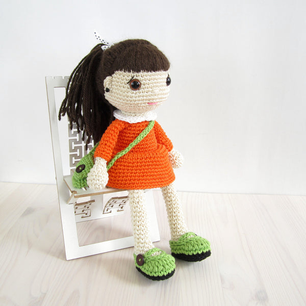 PATTERN: Doll in a dress with a messenger bag