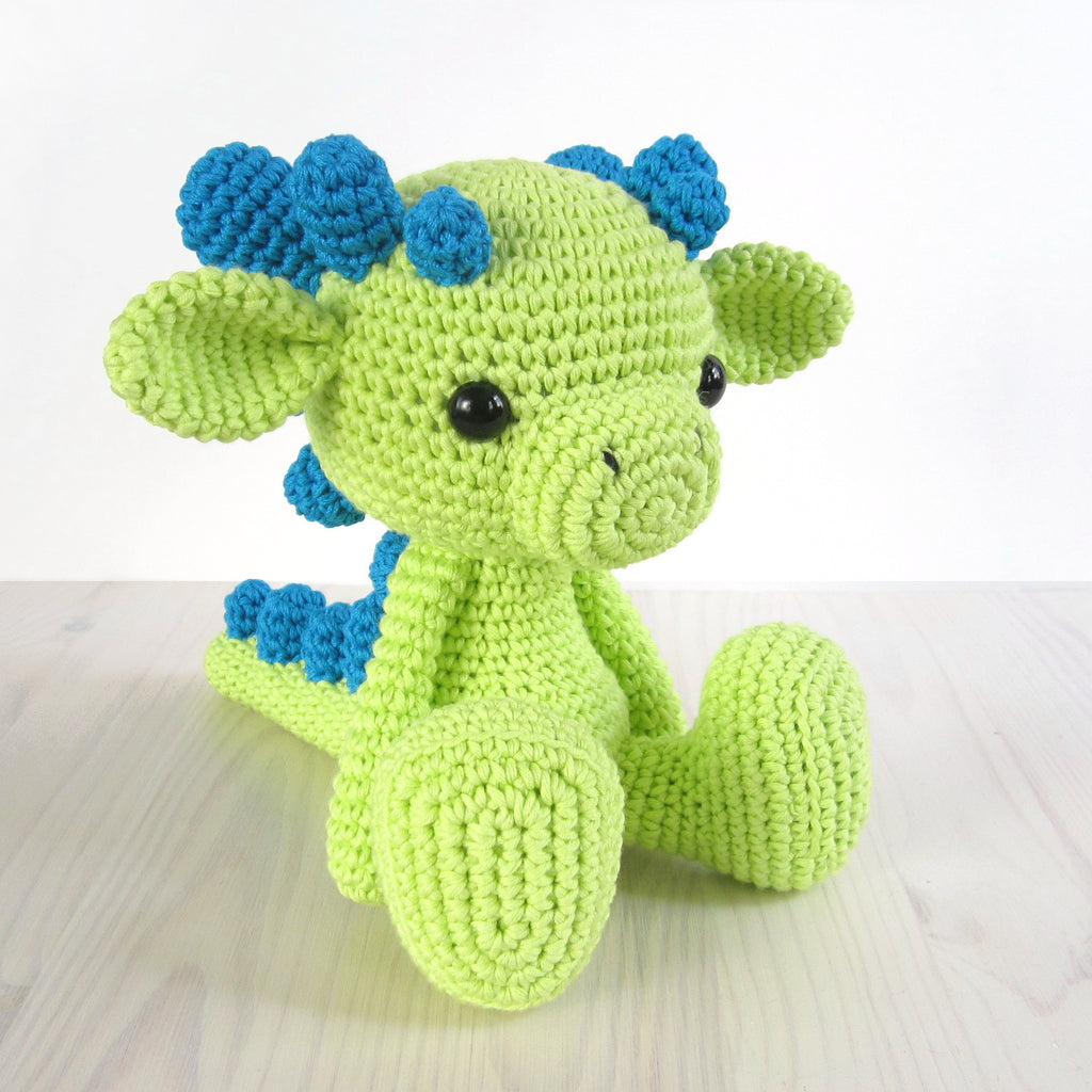 PATTERN: Sitting baby dragon