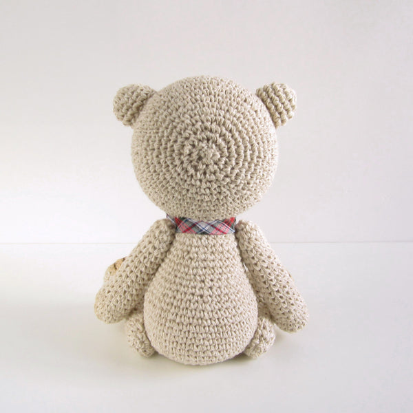 PATTERN: Classic teddy bear