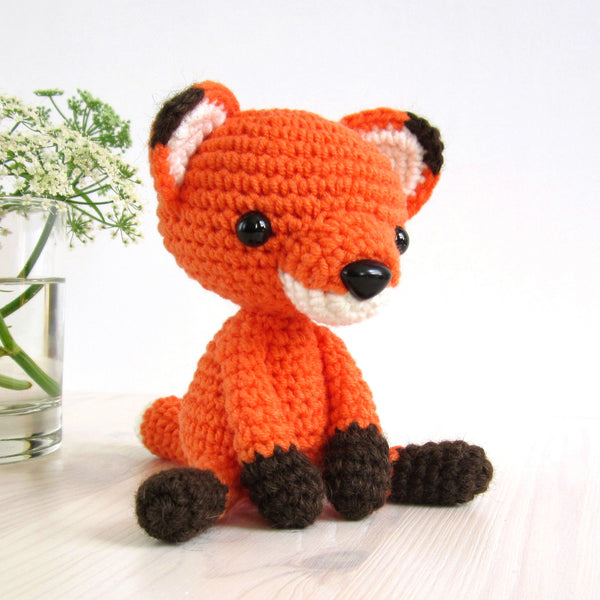 PATTERN: Small sitting fox