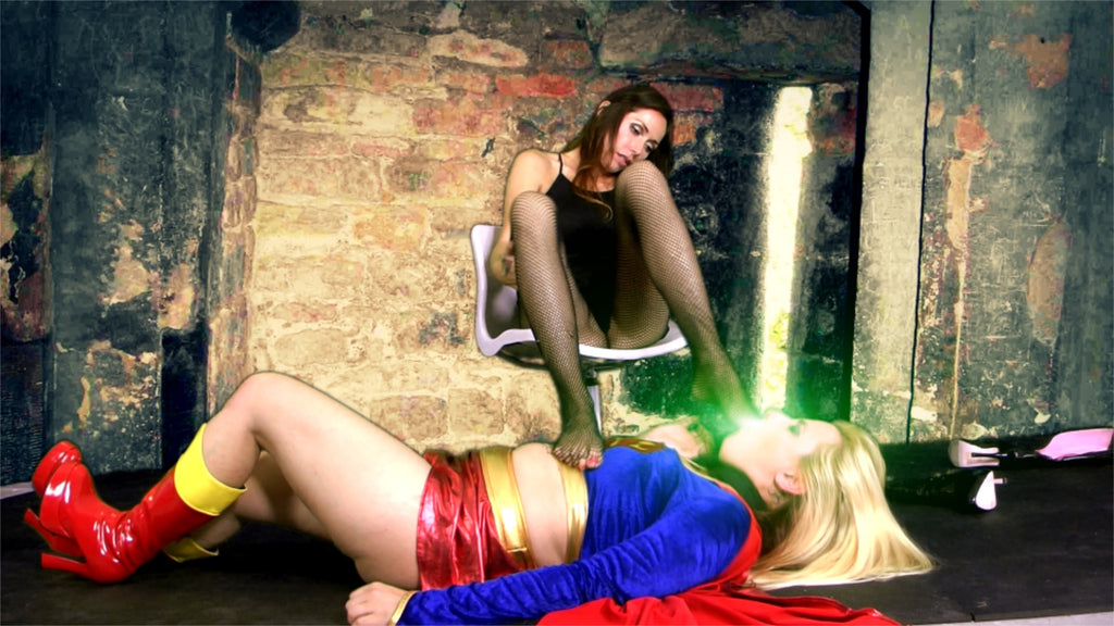 SUPERGIRL - FOOT SLAVE