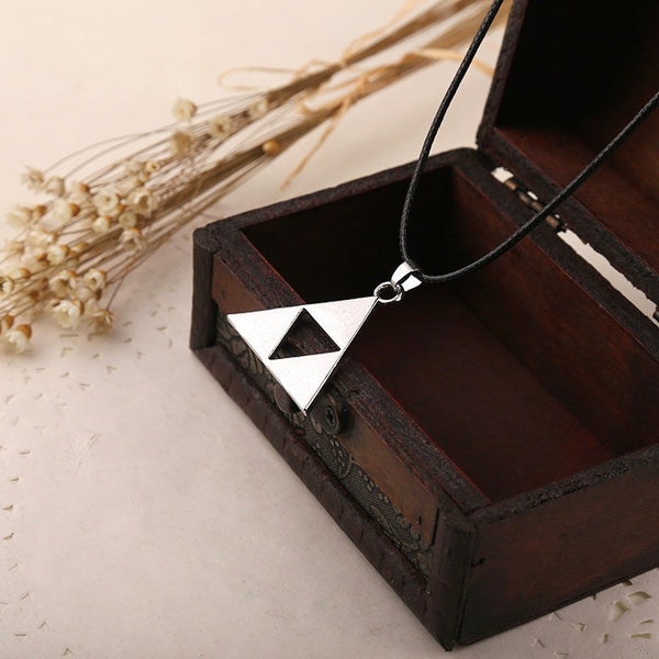 2015 Special Offer Pendant Necklaces Collares Anime The Legend Of Zelda Triforce Necklace Metal Zelda Pendant Drop Shipping