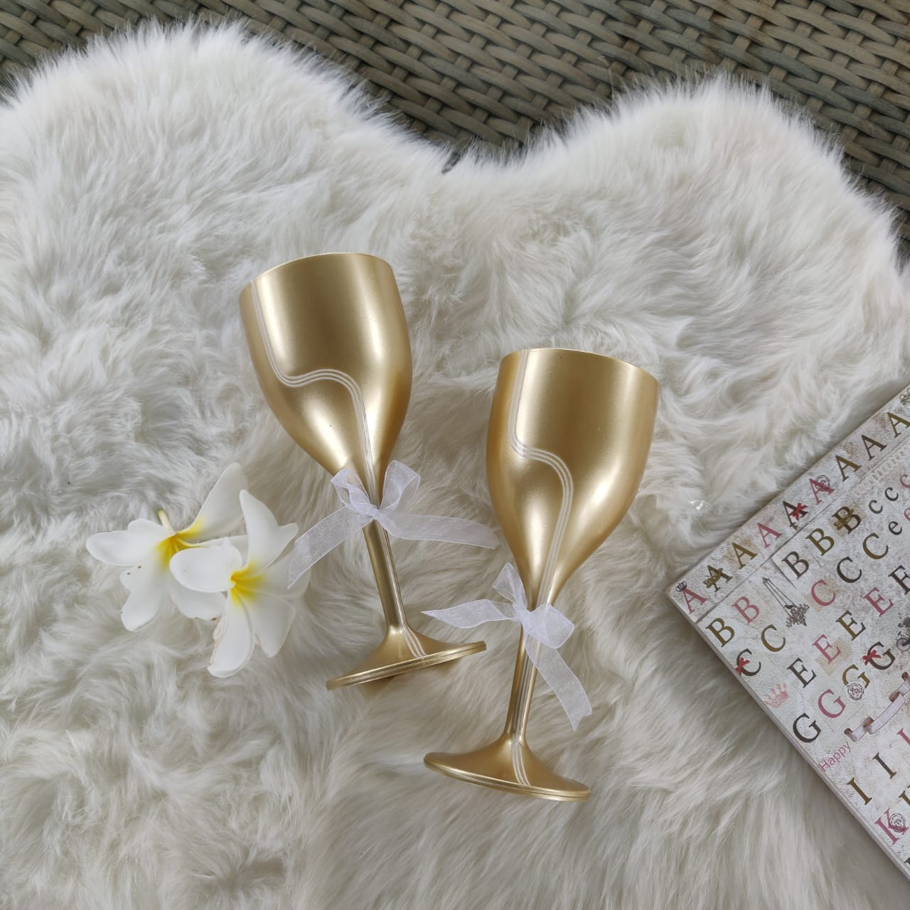 Gold Unbreakable Sparkly Wine Glasses