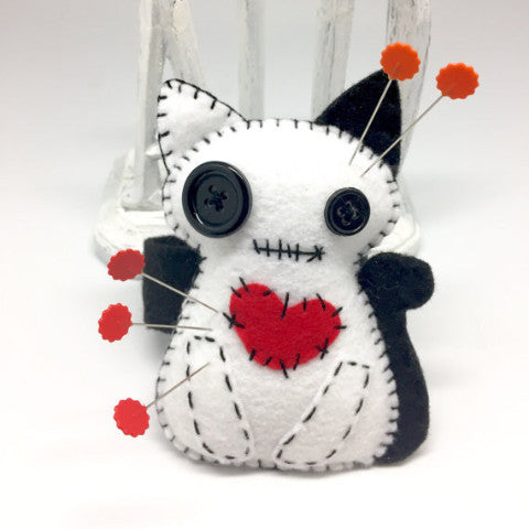 White Pin cushion cat handmade in felt