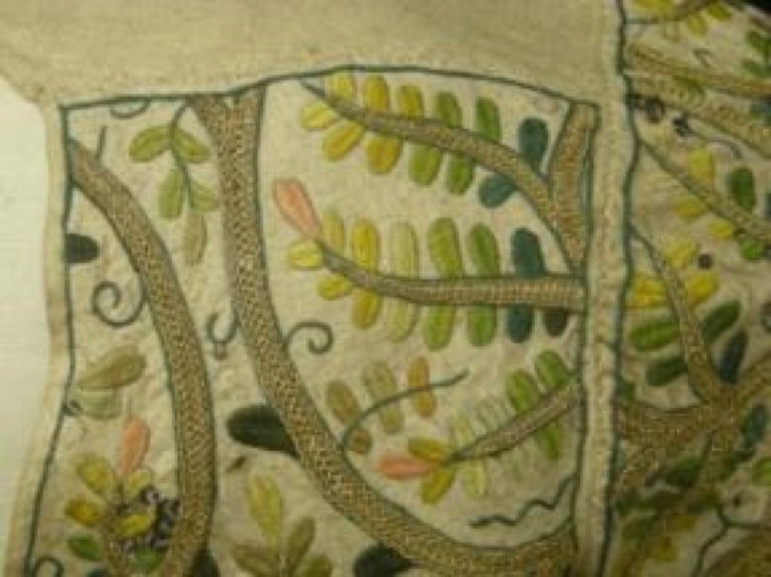 Elizabethan bodice - left shoulder showing overstitched seams