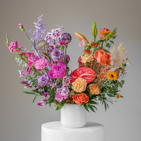 Fresh flower arrangement using seasonal and locally grown flowers