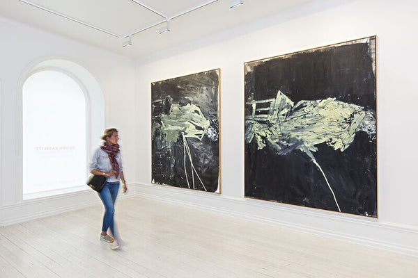 Left: Georg Baselitz, Nachtung, 2009, Oil on canvas, 250 x 200 cm (98.43 x 78.74 in); right: Georg Baselitz, Mondung, 2009, Oil on canvas, 250 x 200 cm (98.43 x 78.74 in)