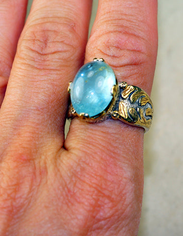 Stunning Genuine Aquamarine set in Pure 925 Sterling Silver and 18K Gold Overlay Ring size: 9