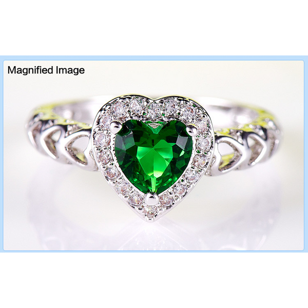 Green Emerald Heart Ring - Victoria Vault
