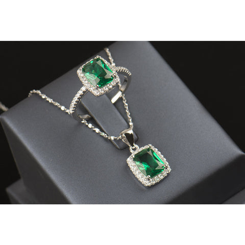 White Crystal / Emerald Jewelry Set