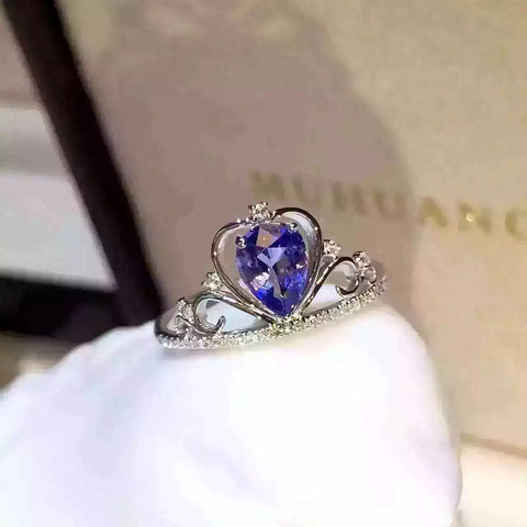 Attention-Getting Natural Tanzanite solid 925 sterling silver Patinum Plated ring