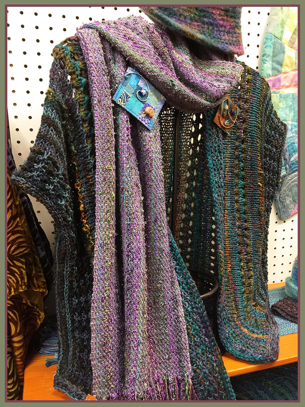 Mauve Woven Scarf and Big and Small Pin