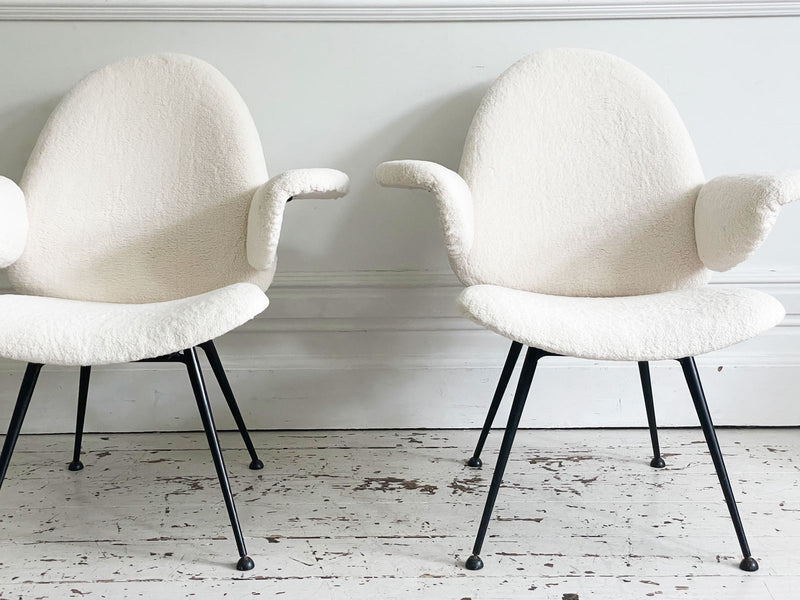 A Pair of Faux Sheepskin 302 Armchairs by Willem Kendrik Gispen for Kembo
