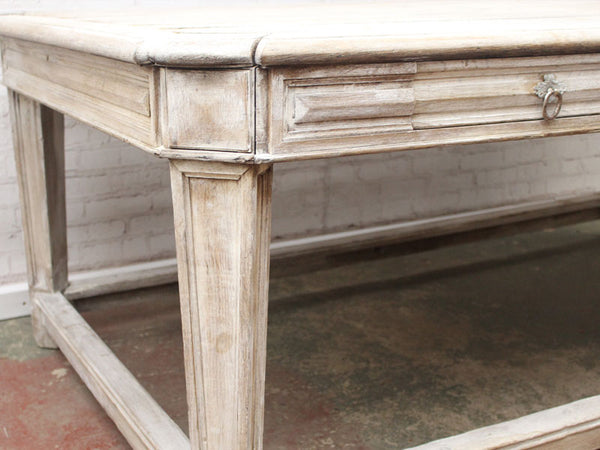 Admirable A 19Th Century Four Drawer French Painted White Oak Large Beutiful Home Inspiration Xortanetmahrainfo