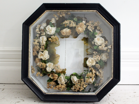 Chinese Shell Art Picture in Box Frame with Peacock