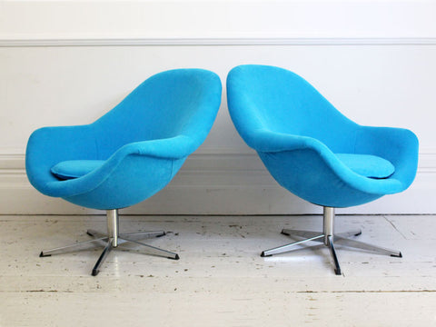 A Pair of 1960's Egg Pod Chairs with Chrome Swivel Base
