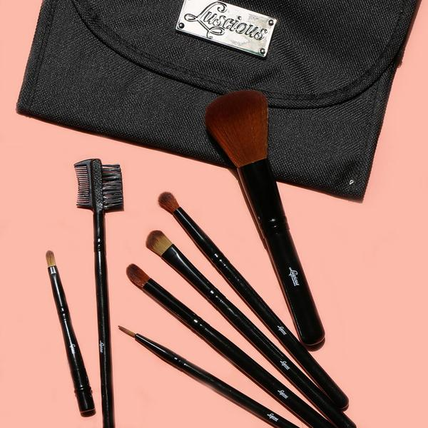 Makeup Brushes: What's the Difference?