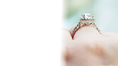 How to take an Engagement Ring Selfie
