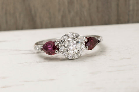 Holo ring with rubies