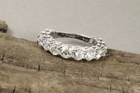 custom shared prong wedding band