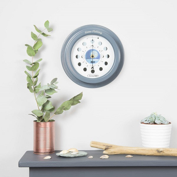 CM4610 Night Fishing Moon Phase Clock