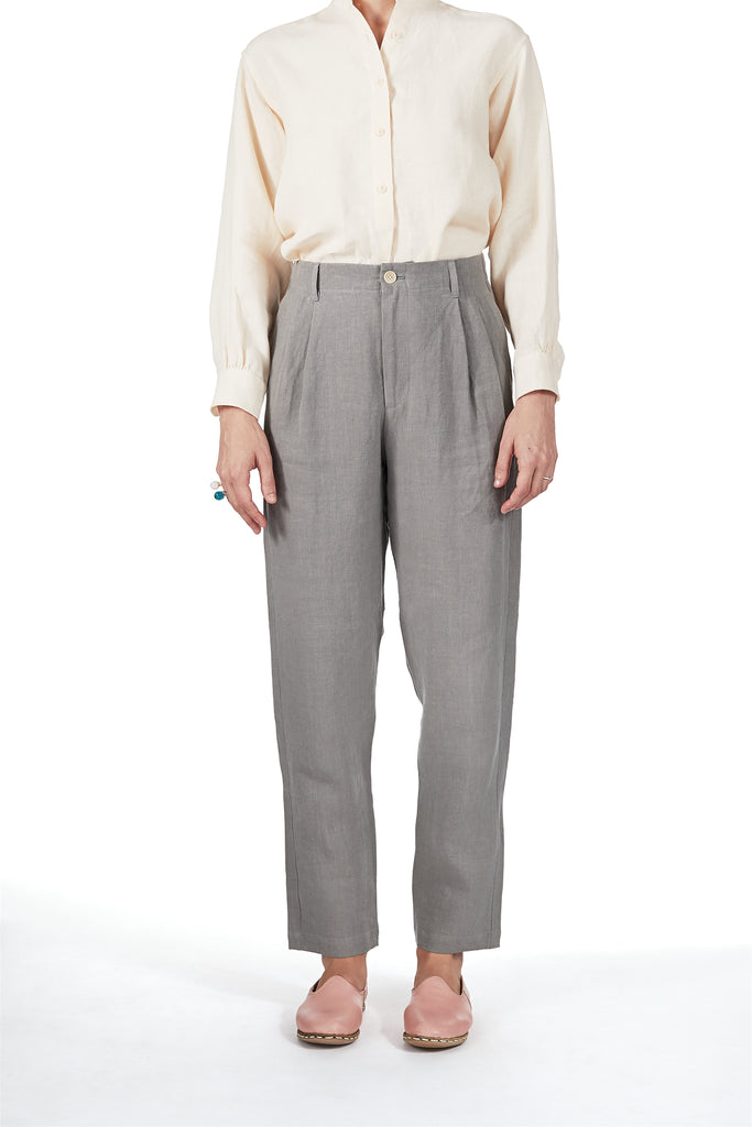 Double-pleat pants in Flint Linen