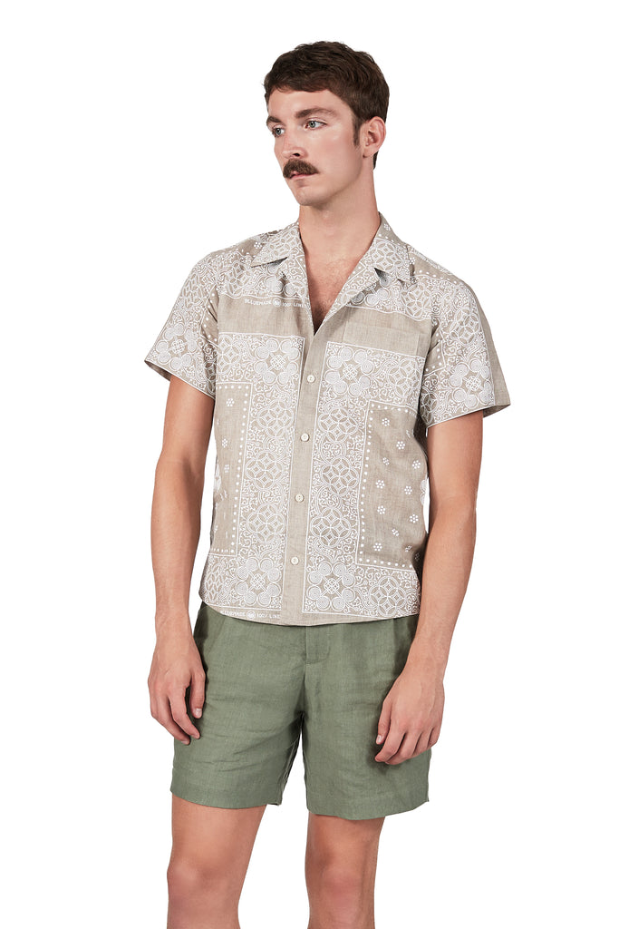 Camp Collar Shirt in Bandana Print Linen