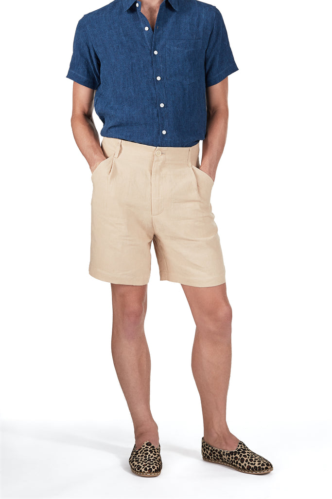 Single-pleat Shorts in Sand Linen