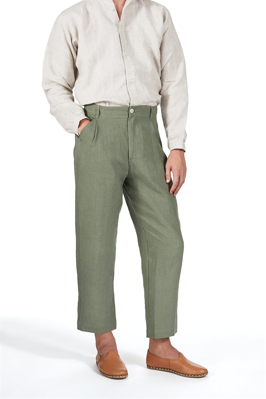 Single-pleat Cropped Pant in Olive Linen