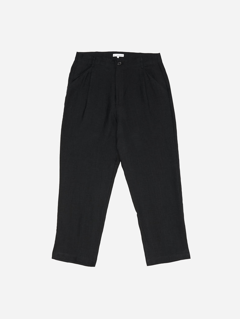 Single-Pleat Pant in Black Linen