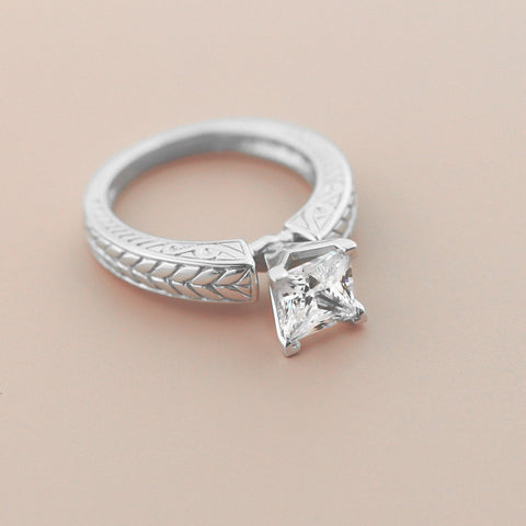 Alba Solitaire Engagement Ring