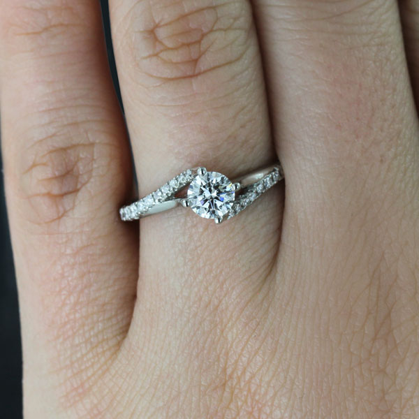 Flame Engagement Ring 0.56ct Round Cut Lab Grown Diamond