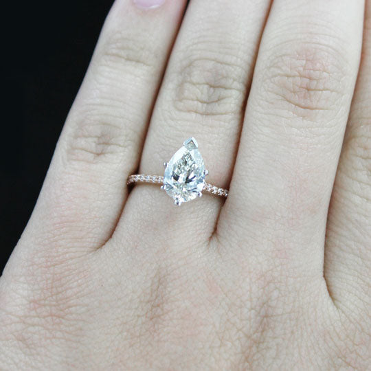 Idyllic Engagement Ring with Pear Cut Lab-Grown Diamond