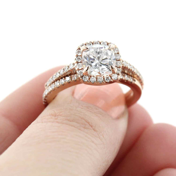 Luxe Accented Wedding Set in Rose Gold