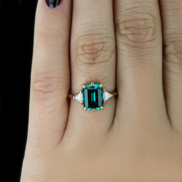 Lindsey Vonn S Emerald Engagement Ring Miadonna