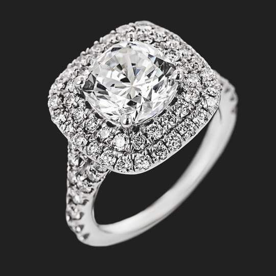Novia Engagement Ring