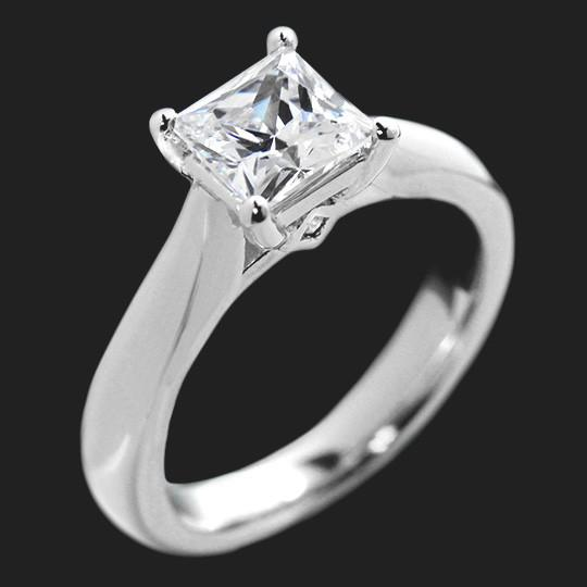 1.0ct Princess cut in 14KW