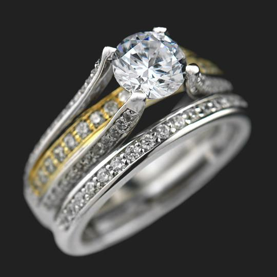 Everett Wedding Set shown with a 1.0ct Round cut in 18KW and 18KY|1.0ct Round cut in 18KW and 18KY