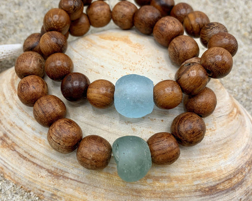wood bead bracelet with glass accent bead