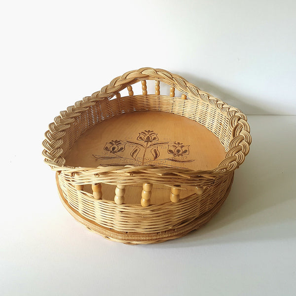 Wicker Serving Tray with Handles and Flower Design on Base