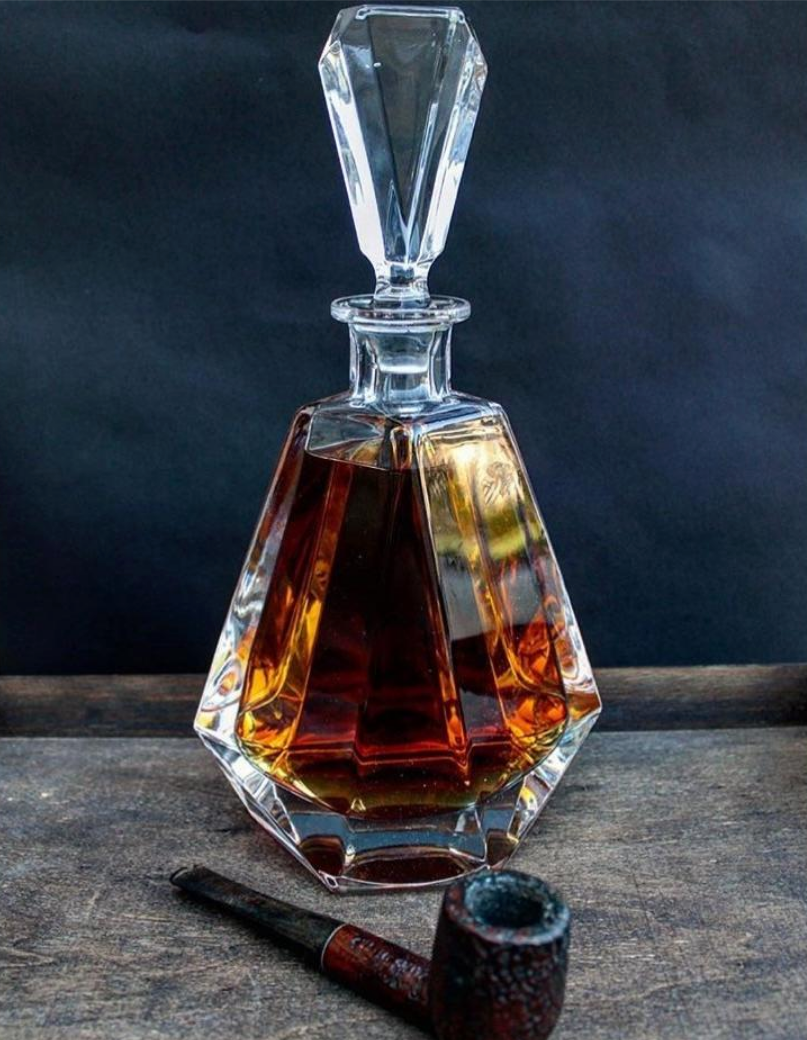 Macao Clear Crystal Decanter - The Crystal Wonderland