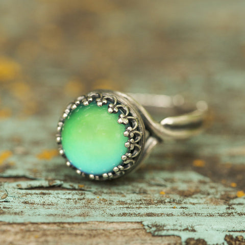 small silver mood ring by horse feathers