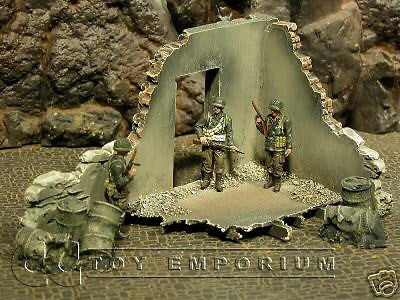 """RETIRED & BRAND NEW"" Build-a-Rama 1:32 Hand Painted WWII Government Ruin"